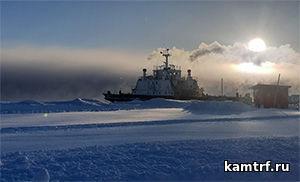 На паромной переправе по протоке Озерная в Усть-Камчатске рейсы парома «Капитан Драбкин» выполняются в зависимости от погодных условий