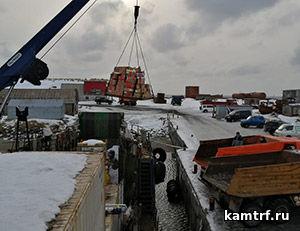 Судну «Капитан Финашин» удалось доставить продукты на остров Беринга в «окно» между постоянными штормами. Фото 1